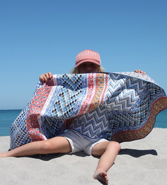 Say hello beach with this awesome sand free Tesalate towel - West ... 5b32e694323